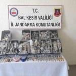 Balıkesir'de kaçak kol saati operasyonu