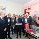 Gaziantep'te öğrencilere kırtasiye yardımı