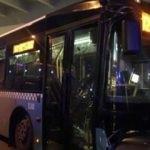 Mecidiyeköy'de halk otobüsü köprü ayağına çarptı