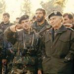 Askerlerini tekbirle selamlayan büyük lider!