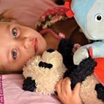 Çocukların oyuncakla uyuması zararlı mı?