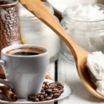 Kahvenize bir tatlı kaşığı hindistan cevizi yağı eklerseniz...
