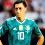 Mesut Özil'e Almanlardan sürpriz kutlama!