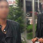 Genç kadın üvey babasını sokak ortasında bıçakladı