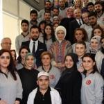 Emine Erdoğan Mardin'deki gençlerle bir araya geldi