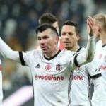 Beşiktaş'ta çifte şok! Adriano ve Medel...