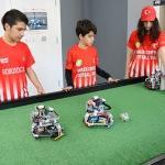 Yapay zekalı robotlar, yeşil sahalarda