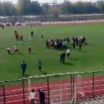 Maçta kavga çıktı, 11 futbolcu kırmızı kart gördü
