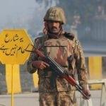 Pakistan'da medreseye saldırı! Korkunç bilanço
