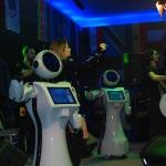 Robot Ada'dan dans şov