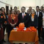"""Nüfus çalışanları farkındalık için """"turuncu"""" giydi"""