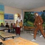 Bitlis'te köylü çocuklar tiyatro izledi