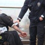 Polis memurundan engelli vatandaşa abdest yardımı