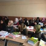 Üniversiteye hazırlanan öğrencilere kitap desteği