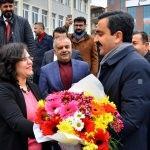 Başkan Bahçeci sevgi gösterileriyle karşılandı