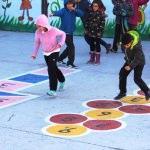 Okul bahçesine oyun parkuru kuruldu