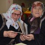 82 yaşında Kur'an-ı Kerim okumayı öğrendi
