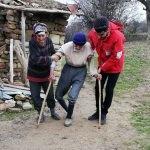 Tunceli'de ihtiyaç sahiplerine kıyafet yardımı yapıldı