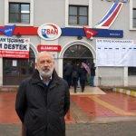 İZBAN çalışanları bordrolarını istasyon binasına astı