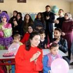 """Üniversite öğrencilerinden köy okullarına """"Bir Avuç Umut"""""""
