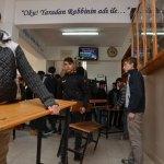 Çorum'dan Afrin'e 1 tır okul yardımı