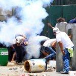 Protestolar durmadı! Polise 15 bin silah dağıtıldı