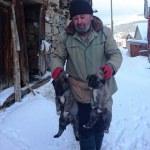 Donmak üzere olan köpek ve yavruları kurtarıldı