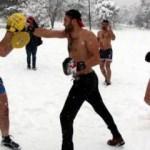 Milli sporcular dondurucu soğukta idman yaptı!