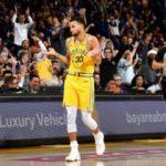 Warriors Curry ile farklı kazandı