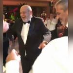 Yavuz Bingöl ve Oktay Kaynarca düğünde böyle coştular!