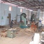 Gülnar'da belediyenin hızar atölyesi üretimini sürdürüyor