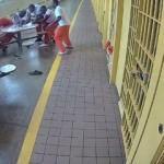 Cinnet getiren mahkum diğer mahkumlara saldırdı