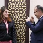Siirt Valisi Atik, işitme engelli çocukla işaret diliyle anlaştı