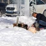 Çankırı'da kar üzerinde piknik keyfi