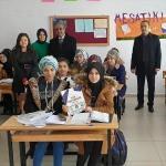 Güroymak'ta 320 öğrenciye ücretsiz kitap dağıtıldı