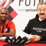 Moussa Sow formayı giydi, imzayı attı!