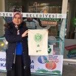 """Demirci'de """"5 pet şişe getirene pazar filesi hediye"""" kampanyası"""