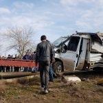 Diyarbakır'da yolcu treni pikaba çarptı: 2 yaralı