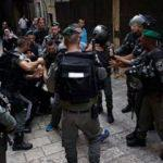 Mescid-i Aksa'da nöbet tutuyorlardı! İsrail polisi saldırdı