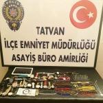 Bitlis'te hırsızlık şüphelisi 4 kişi gözaltına alındı