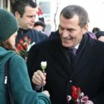 Arısoy, sokak sokak gezerek projelerini anlattı