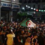 Cezayirliler tekrar sokağa çıkıyor: Üç B gitmeli!
