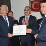 Lapseki'de AK Partili Yılmaz, mazbatasını aldı