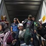 Göçmenler mülteci merkezinden kaçtı!