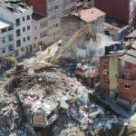Kağıthane'de 12 bina yerle bir edildi