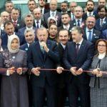 Cumhurbaşkanı Erdoğan dualarla açtı