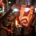 Ortalık karıştı! G.Saray bayrağını yaktılar