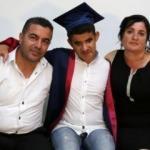 Okulun tek görme engellisi, birincilikle mezun oldu