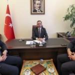 Bakan Kasapoğlu, halı saha sözünü tuttu