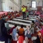 Camide hem Kur'an hem de trafik kurallarını öğreniyorlar